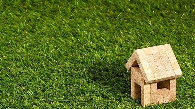 雑草対策には防草シートと人工芝がおすすめ